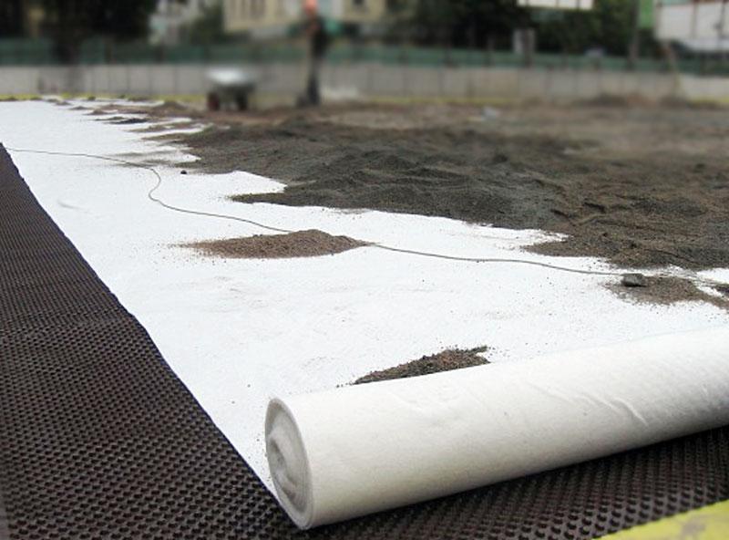 Геотекстиль «Мегафлекс» отлично защищает утеплитель и конструкцию здания от внешних условий,