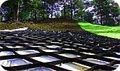 Георешетка объемная «Полипласт» изготовлена из нетоксичного материала, устойчивого к кислотно-щелочной и масляной среде